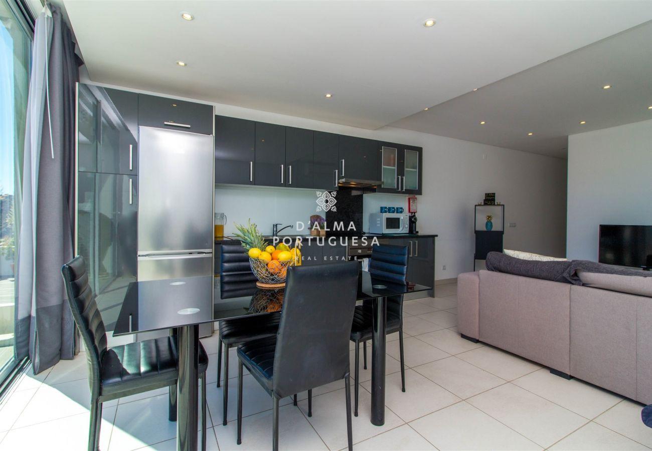 Apartment in Albufeira - Aveiros Beach Apartment - D'Alma Oceano