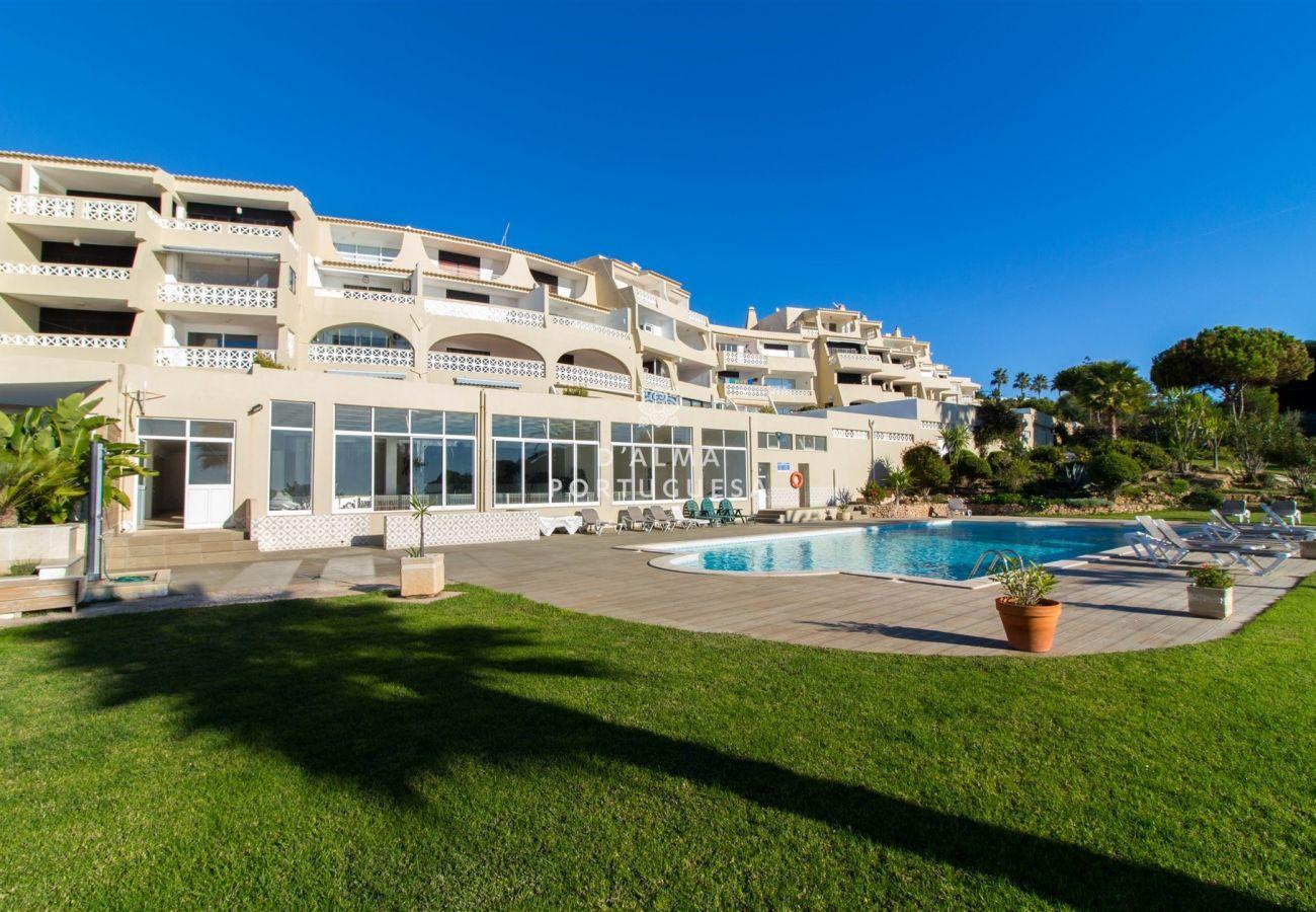 Apartment in Albufeira - Apartment Aveiros Beach- D´alma Amado